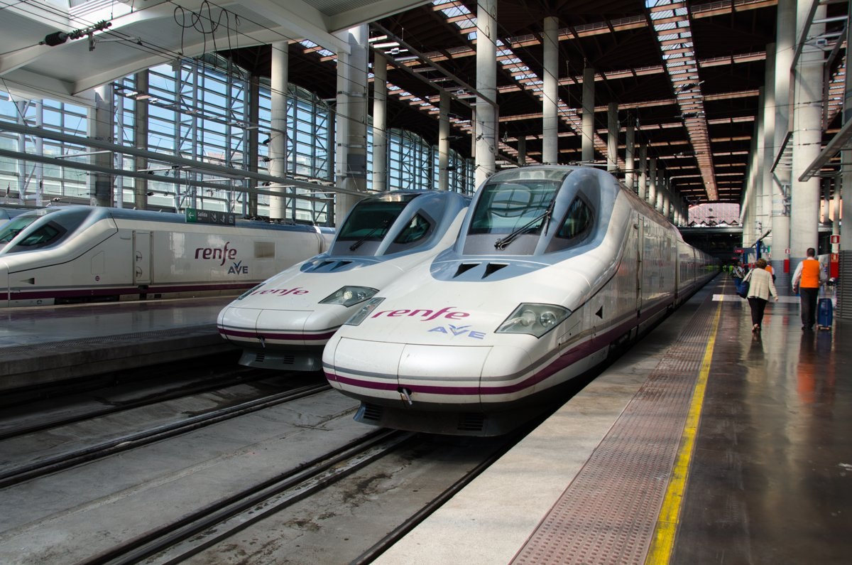how to get from madrid to granada by train